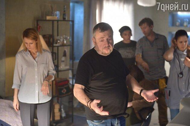 Режиссер Павел Лунгин на съемочной площадке фильма «Родина»