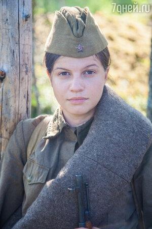 Агния Кузнецова на съемках фильма «А зори здесь тихие»