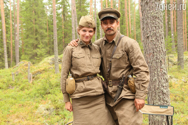 Женя Малахова и Петр Федоров на съемках фильма «А зори здесь тихие»