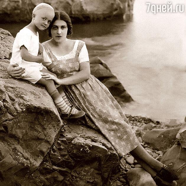Мария Платонова с сыном Платоном