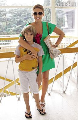 С сыном Артемом на«Детской Новой волне» вАртеке