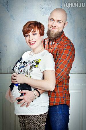 Тутта Ларсен с мужем