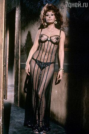 Софи Лорен в фильме «Брак по-итальянски» (1964)