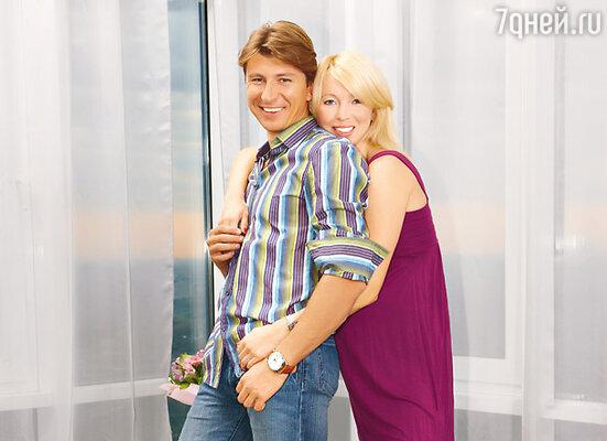 Алексей и Татьяна в своей московской квартире, расположенной в одном из престижных домов Москвы на 40-м этаже