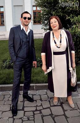 Татьяне Геннадьевне нужна невестка, нацеленная насемью, а не на карьеру