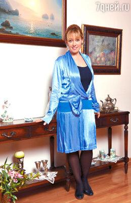 Теперь Арина — поклонница женственных платьев и юбок