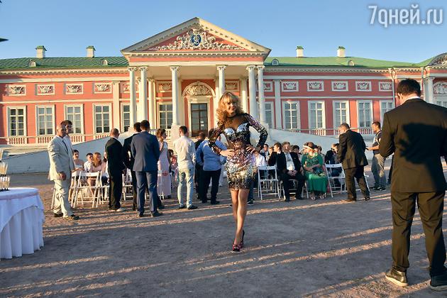 Алла Михеева на съемках фильма «Одноклассницы»