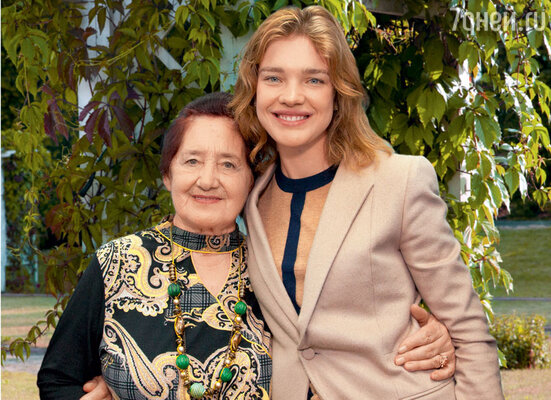 С бабушкой ЛарисойГавриловной
