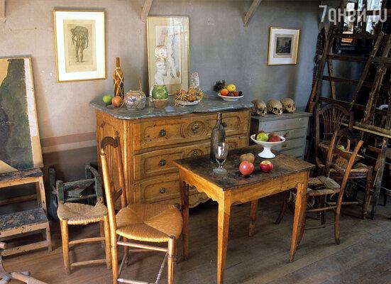 В этой студии в своем доме в Экс-ан-Провансе Сезанн работал долгие годы