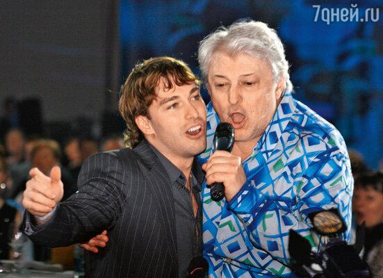 Михаил Анисин и Вячеслав Добрынин на вечеринке вчесть окончания хоккейного сезона