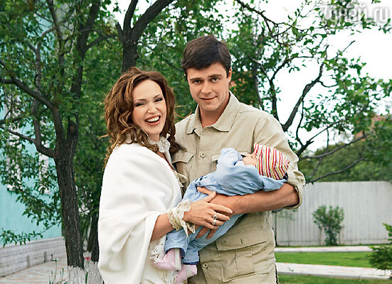 Алла с мужем Алексеем и 4-месячной дочерью Александрой