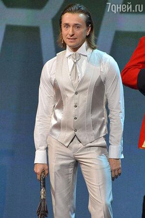 Сергей Безруков отращивает волосы