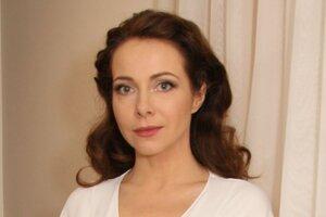 Екатерина Гусева потрясла всех осиной талией на дне рождения Высоцкого