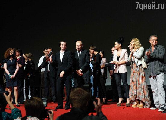 Резо Гигинеишвили, съемочная группа и гости премьеры