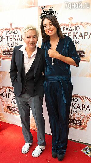 Олег Яковлев с подругой Александрой