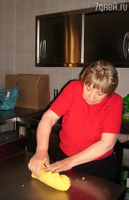 Но в чем Тонине точно нет равных, так это в приготовлении традиционного хлеба «Чивражу», выпекаемого в настоящей дровяной печи