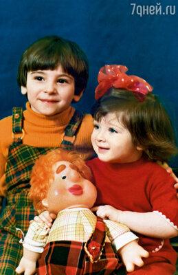Январь 1979-го. Мне два года и один месяц, Андрею — четыре с половиной