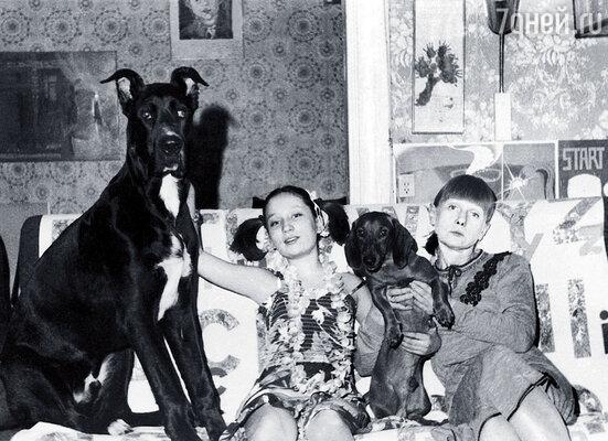 Дог Арман был моим любимцем. Между мной и мамой соседская такса