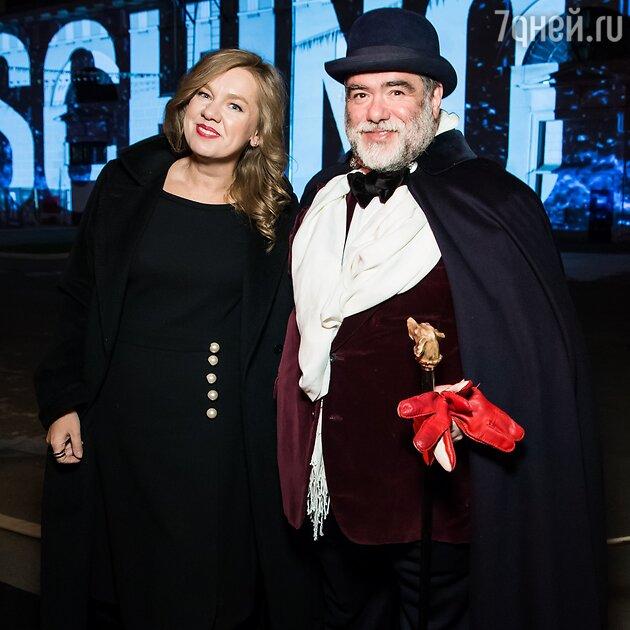 Михаил Куснирович, Алина Сапрыкина
