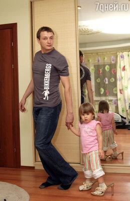 «Пусть Амели, наша дочка, немного подрастет, чтобы как следует запомнила свадьбу мамы с папой»