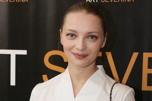 Екатерина Вилкова посетила модный вернисаж
