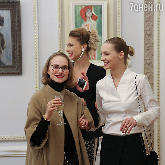 Анна Бегунова, Александра Урсу, Екатерина Вилкова