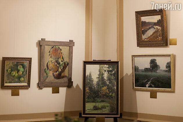 На выставке Владимира Кириллова