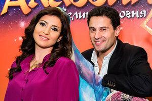 Жасмин и Антон Макарский спели на премьере ледового шоу «Аладдин и Повелитель огня»