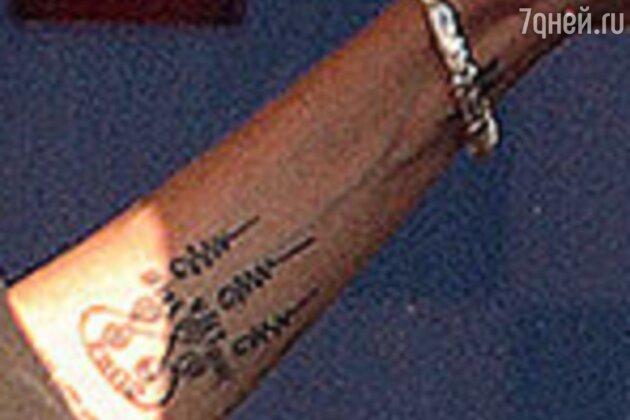 Анджелина Джоли сделала новую татуировку