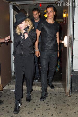 Мадонна с новым возлюбленным Тимором Стеффенсом