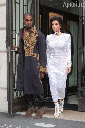 Ким Кардашьян и Канье Уэст на Парижской неделе моды
