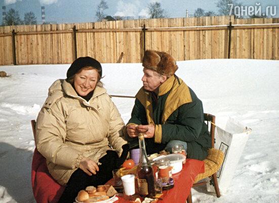 Галина Ванюшкина и Юрий Кузьменков на даче
