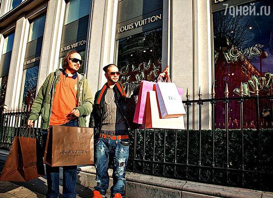 «Я посетил несметное множество магазинов, но, как всегда, в итоге остался верен любимым маркам», - говорит Тимати