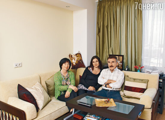 «Мы странная семья — никогда не ссорились. Ни разу в жизни. И все потому, что жена всегда очень умело выходит из спорных ситуаций»