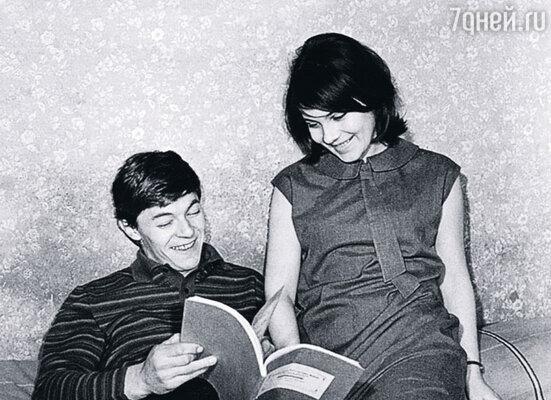 С первым мужем Александром Збруевым