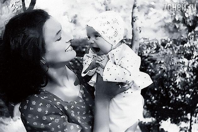 Елена Подкаминская с матерью