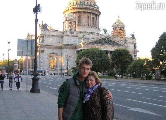 Алексей Воробьев с мамой