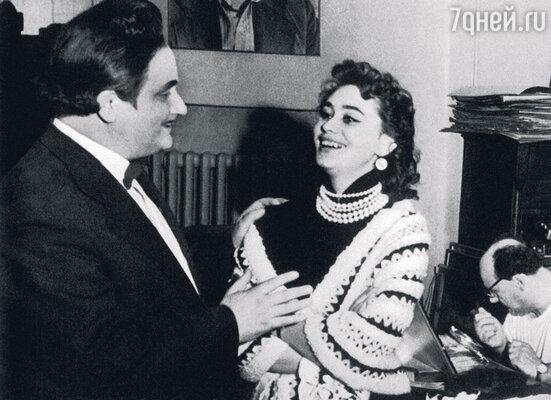 С отцом ГеоргиемМенглетом после спектакля «Клоп» в Театре сатиры
