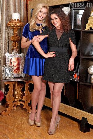 Анастасия Заворотнюк с дочерью Анной в своей московской квартире