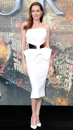 Анджелина Джоли   на премьере картины «Война миров Z»