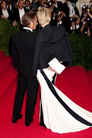 Шарлиз Терон и Шон Пенн на вечере Met Gala в музее Metropolitan Museum of Art