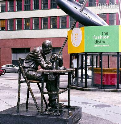 Памятник Зингеру на Манхэттене