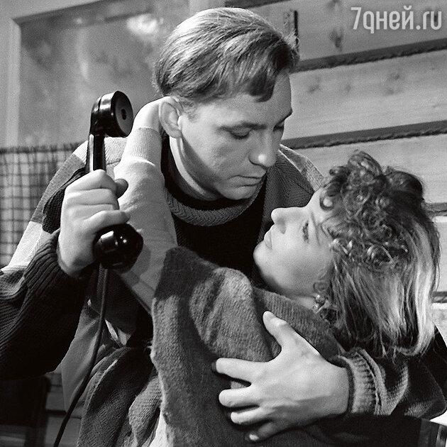 Светлана Дружинина с Николаем Рыбниковым в фильме «Девчата». 1961 г.