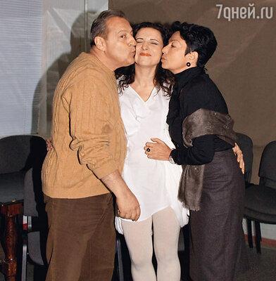 Геннадий Хазанов с дочерью Алисой и женой Златой
