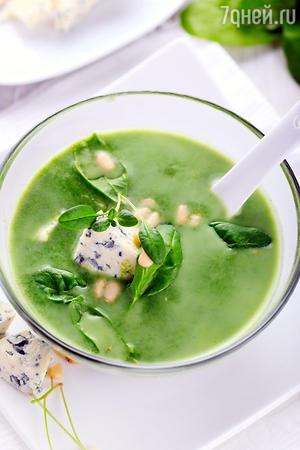 Суп из шпината с миндалем