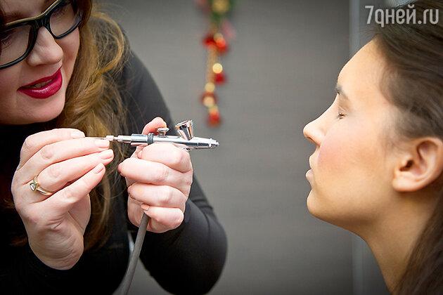 Любой макияж начинается с работы над идеальным тоном лица