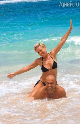 Аврора с мужем Алексеем во время отдыха на Бали