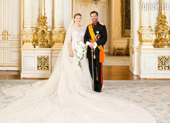 В Люксембурге состоялась свадьба наследного Великого Герцога Гийома и графини Стефани де Ланнуа