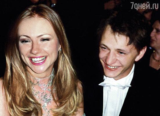 На съемках фильма «Свадьба» я всерьез приревновала Марата к его партнерше Маше Мироновой