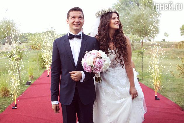 Свадьба, красная дорожка